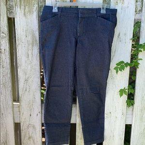 GAP Slim City Pant. Size 8.